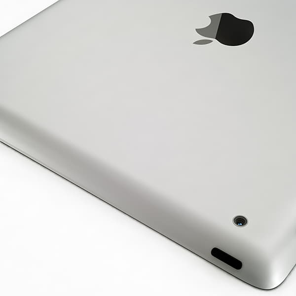 8764 Apple iPhone 4 and iPad 2 with Smart Cover