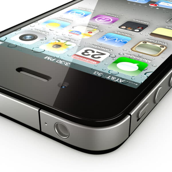 8765 Apple iPhone 4 and iPad 2 with Smart Cover
